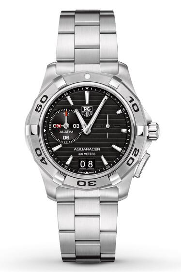 With the stainless steel case and bracelet and the black and white dial, the appearance of this steel case replica TAG Heuer watch just gives us a big surprise.