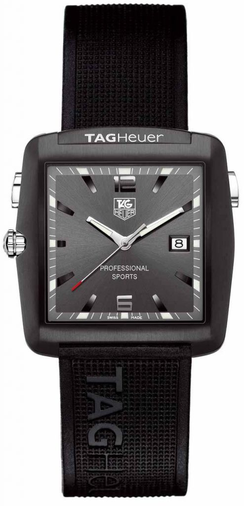 Although this luminous scale fake TAG Heuer Motor Sports watch adopted the rubber strap, still meets the needs of the sports.