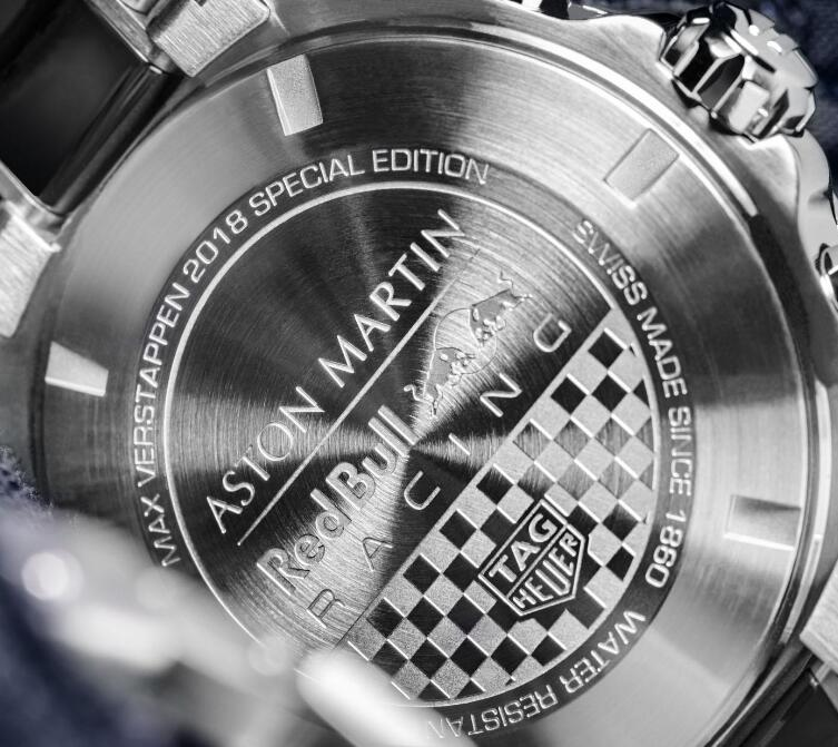 The caseback has been engraved with the racing team of Max Verstappen.