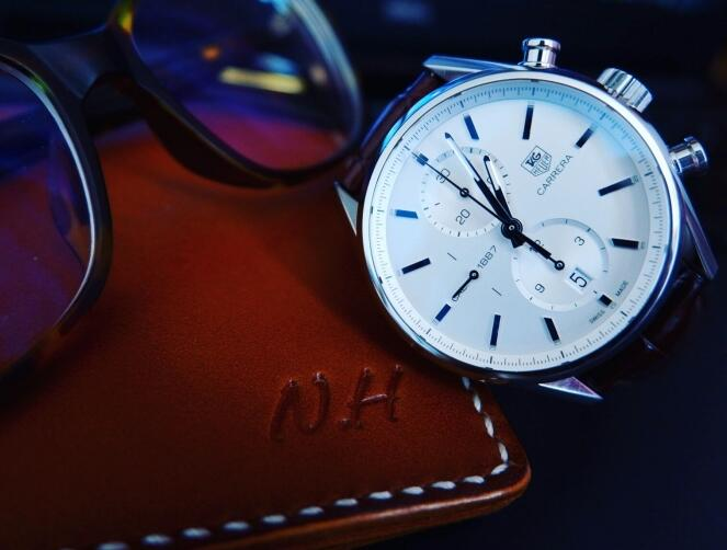 The integrated design of this Carrera is understated and elegant.