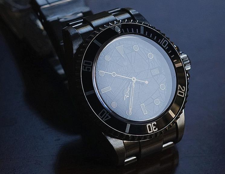 Rolex Sea-Dweller has been designed with great waterproofness.